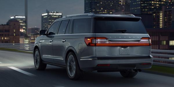2020 Lincoln Navigator design