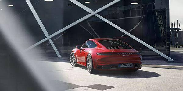 2020 Porsche 911 Carrera design